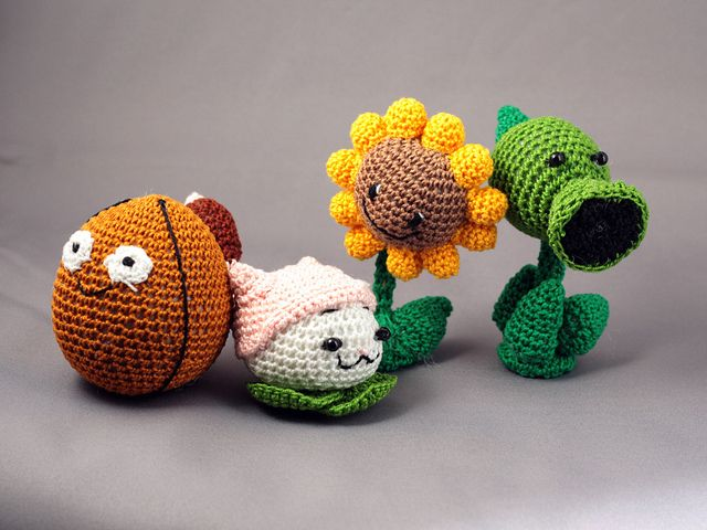 Plants versus Zombies Dolls | Amigurumi, Häkelideen und Häkeln
