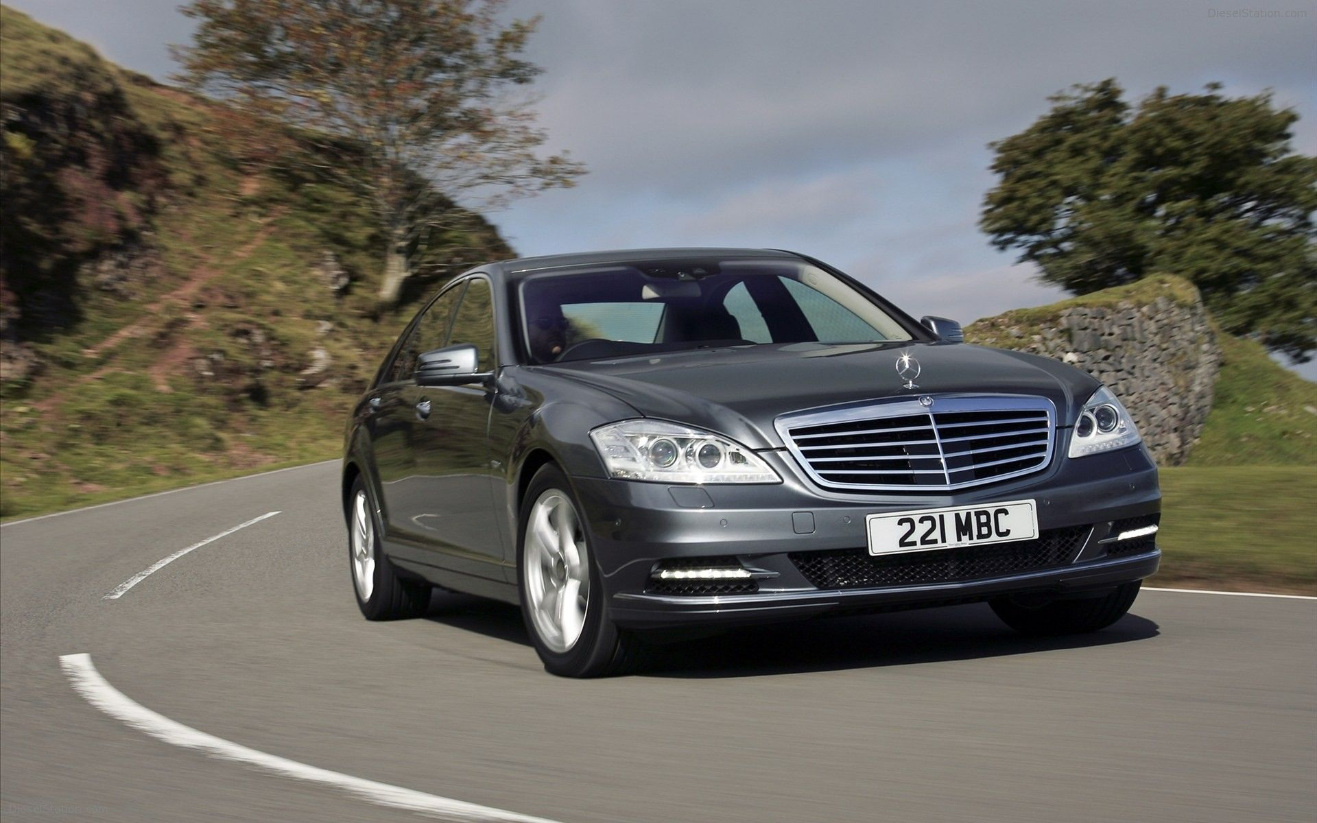 serving foreign class mercedes detail cars michs benz used at c