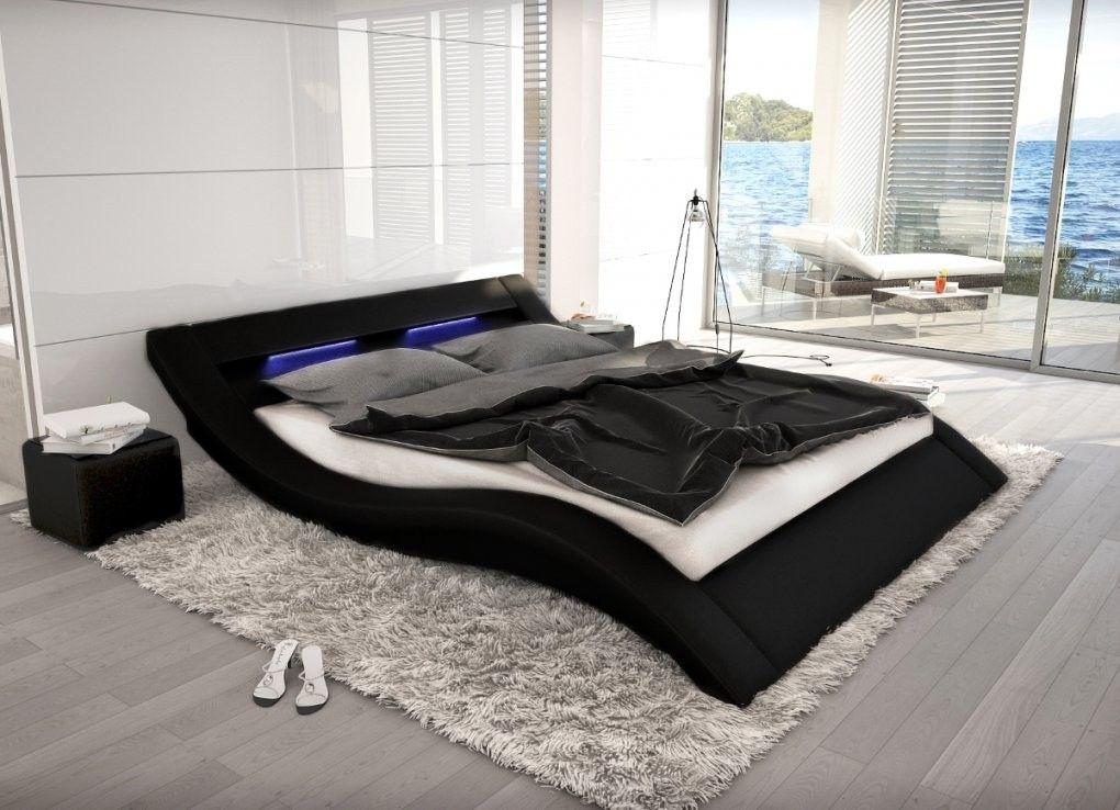 Wellenformiges Lederbett Luxus Leder Bett Schwarz Weiss Mit Led Von Led Bett 120x200 In 2020 Designer Bett Bett 120x200 Lederbett
