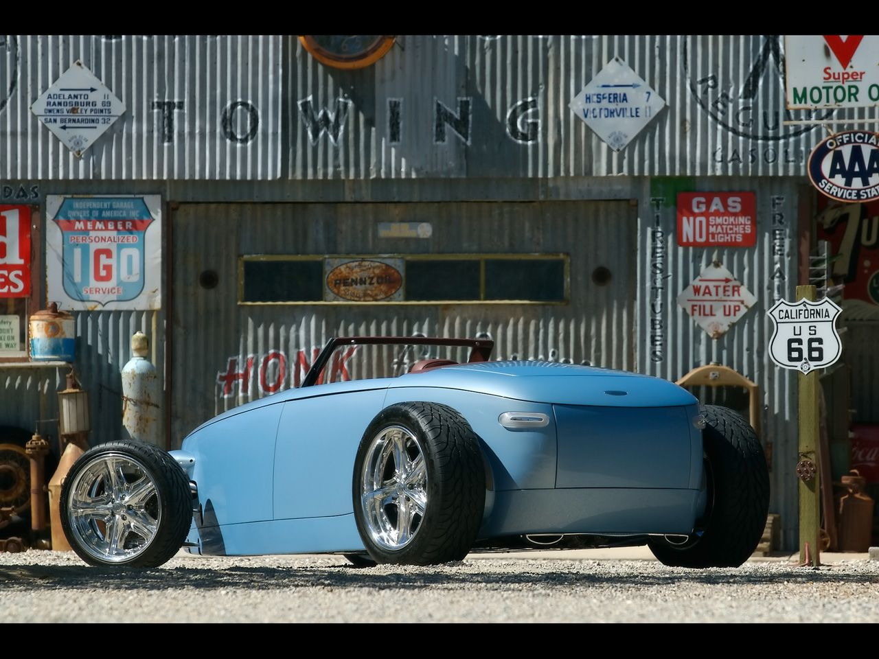 Volvo hotrods: Caresto V8 speedster and Jakob | AmcarGuide.com
