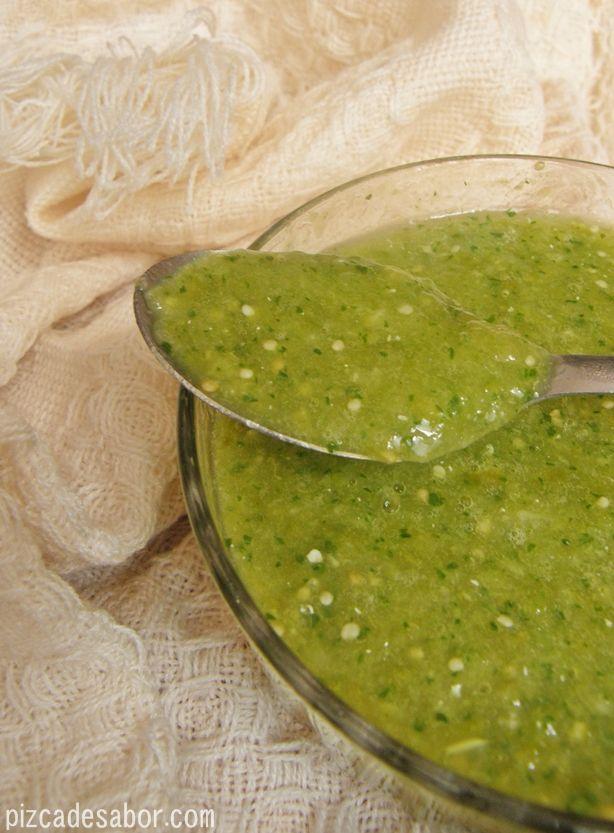 Salsa verde Agregar al agua cuando Los vas a cocer poquito de aceite de oliva  y cuando lo vas a licuar en lunar de sal agrega consome knorr suiza