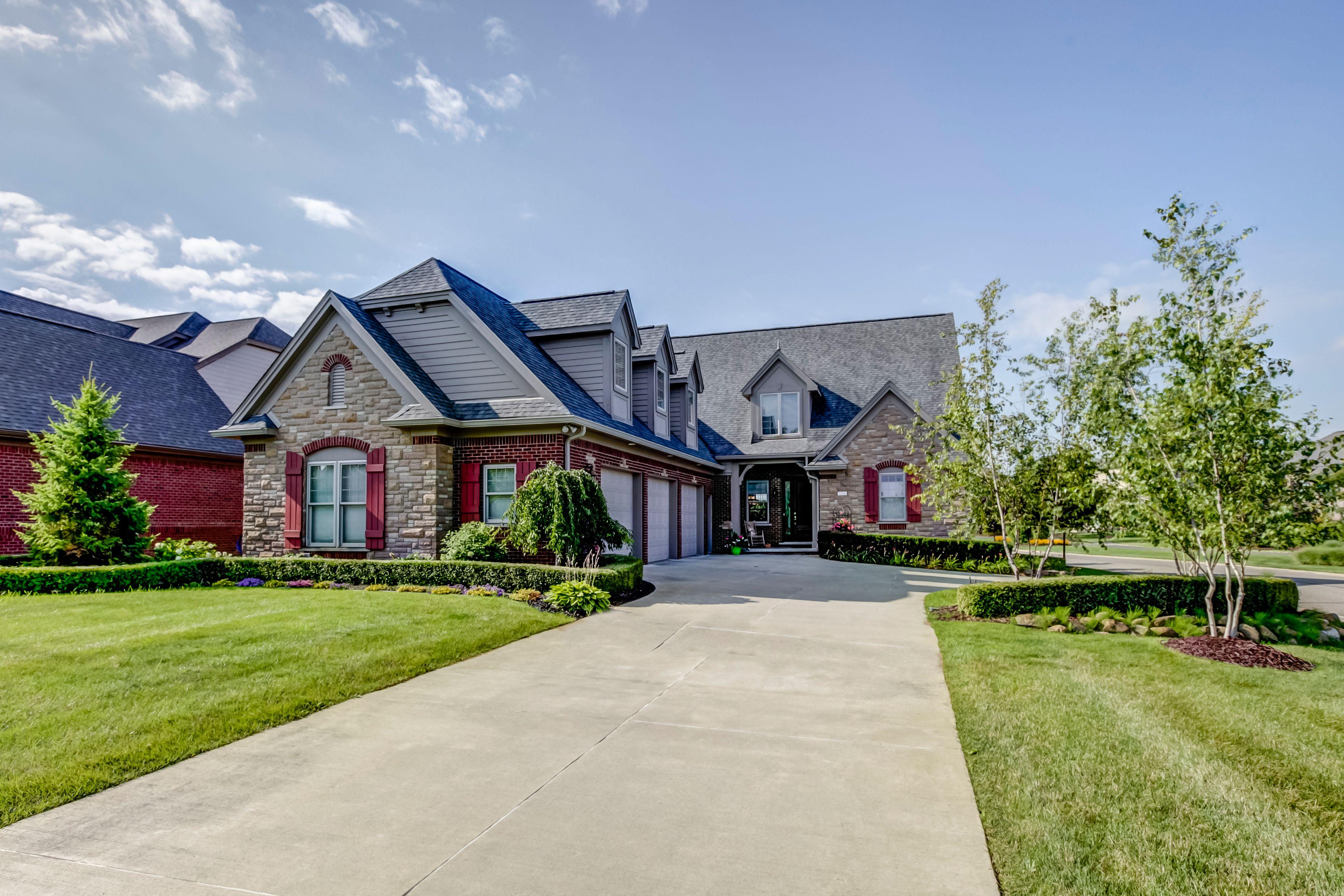 Keller williams green oaks gate house selling house