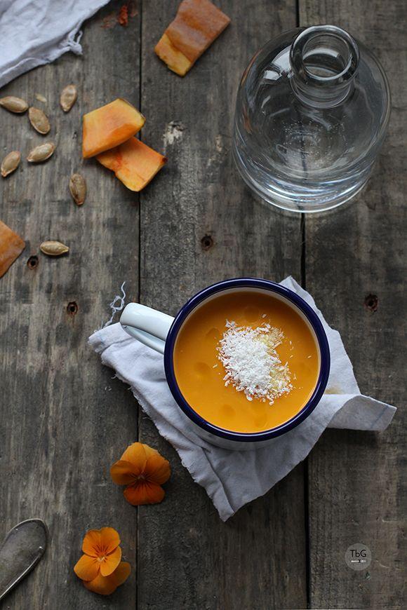 Crema de #calabaza con #aove y #coco: ¡Reinventa tus #cremas! 3 #recetas para que innoves en la cocina este #invierno y descubras experiencias #gourmet #gastronomia #food #instafood #instafoodie #instadaily #eat #eating #yummy #querico #ExperiencesGourmet #gastronomy #yum #amazing #instagood #delish #delicious #acompañamiento #beexclusive
