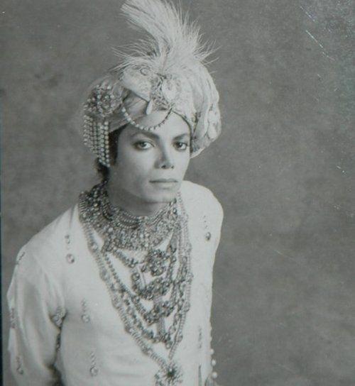 He looks like a king  dirtydiana88