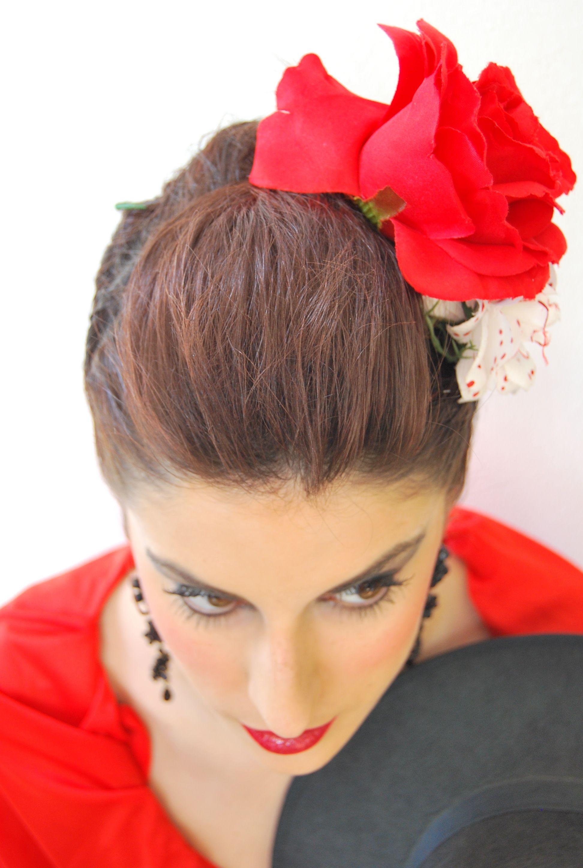 Diferentes versiones peinados para feria 2021 Colección de cortes de pelo estilo - Peinado y Maquillaje para Flamenca Feria de Córdoba en ...