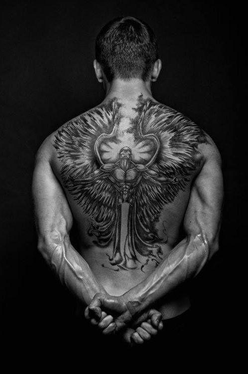 k mpfer engel tattoo ideen tattoos m nner tattoo f r. Black Bedroom Furniture Sets. Home Design Ideas