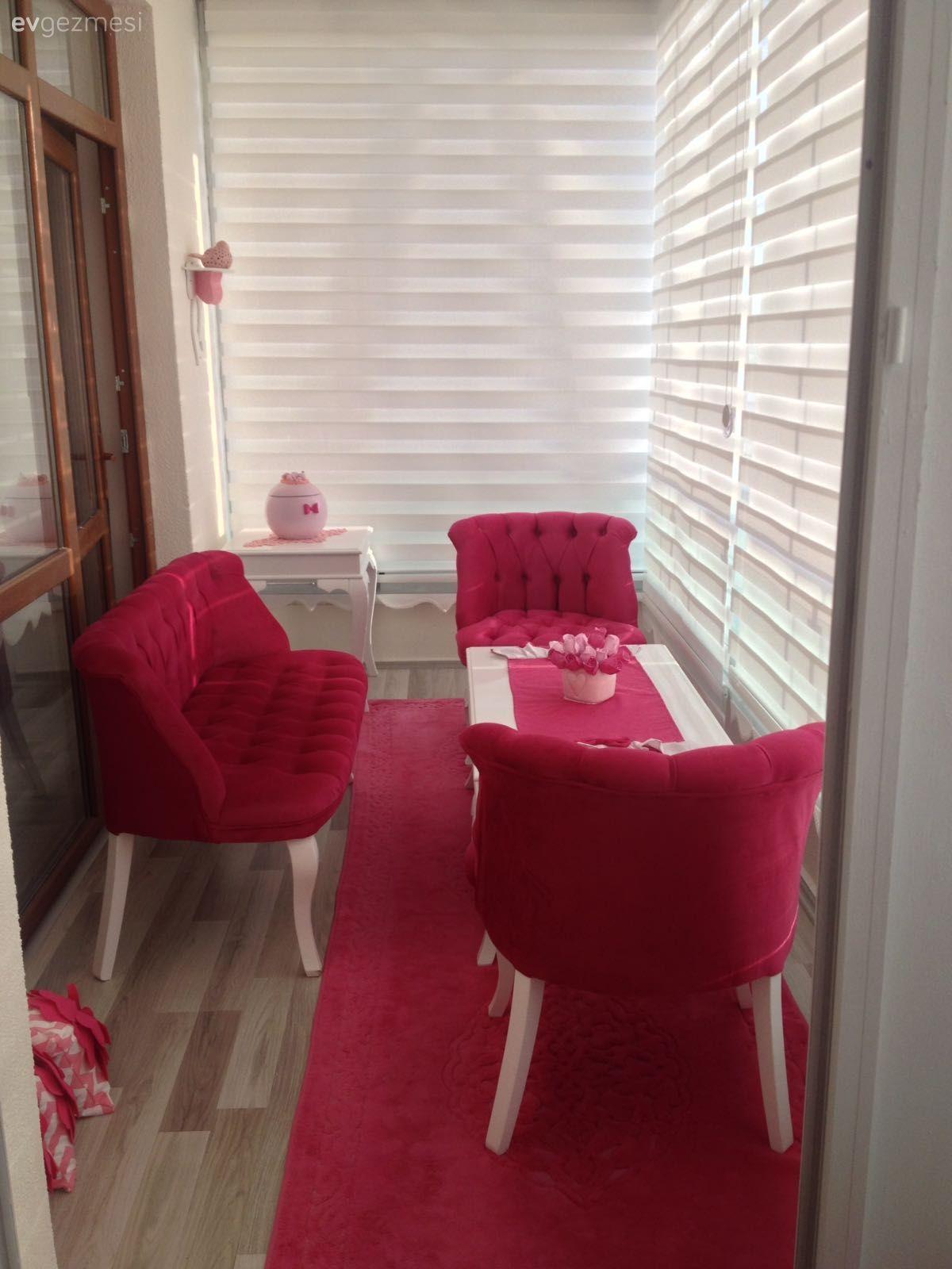 Cay Takimi Fusya Balkon Zebra Perde Uzun Balkon Pembe Balkon Oturma Grubu Kapali Balkon Cay Takimi Fu Home Design Decor Evler Oturma Odasi Tasarimlari