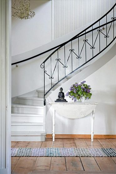 Black Trim Is The Simplest Way To A Stylish Classic Look Interior Design Interior House Interior