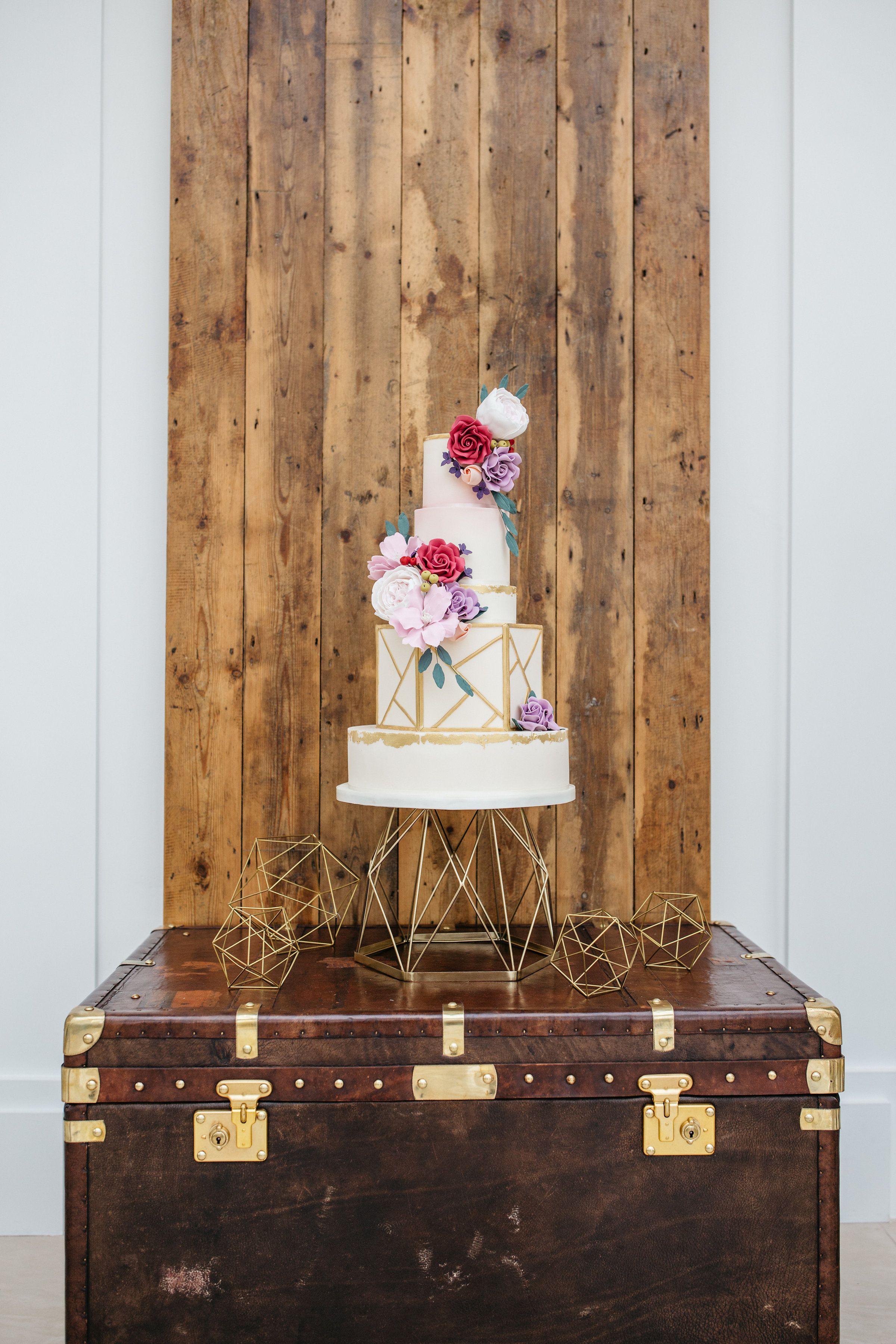 Cake trunk and backdrop wedding cake backdrop cake