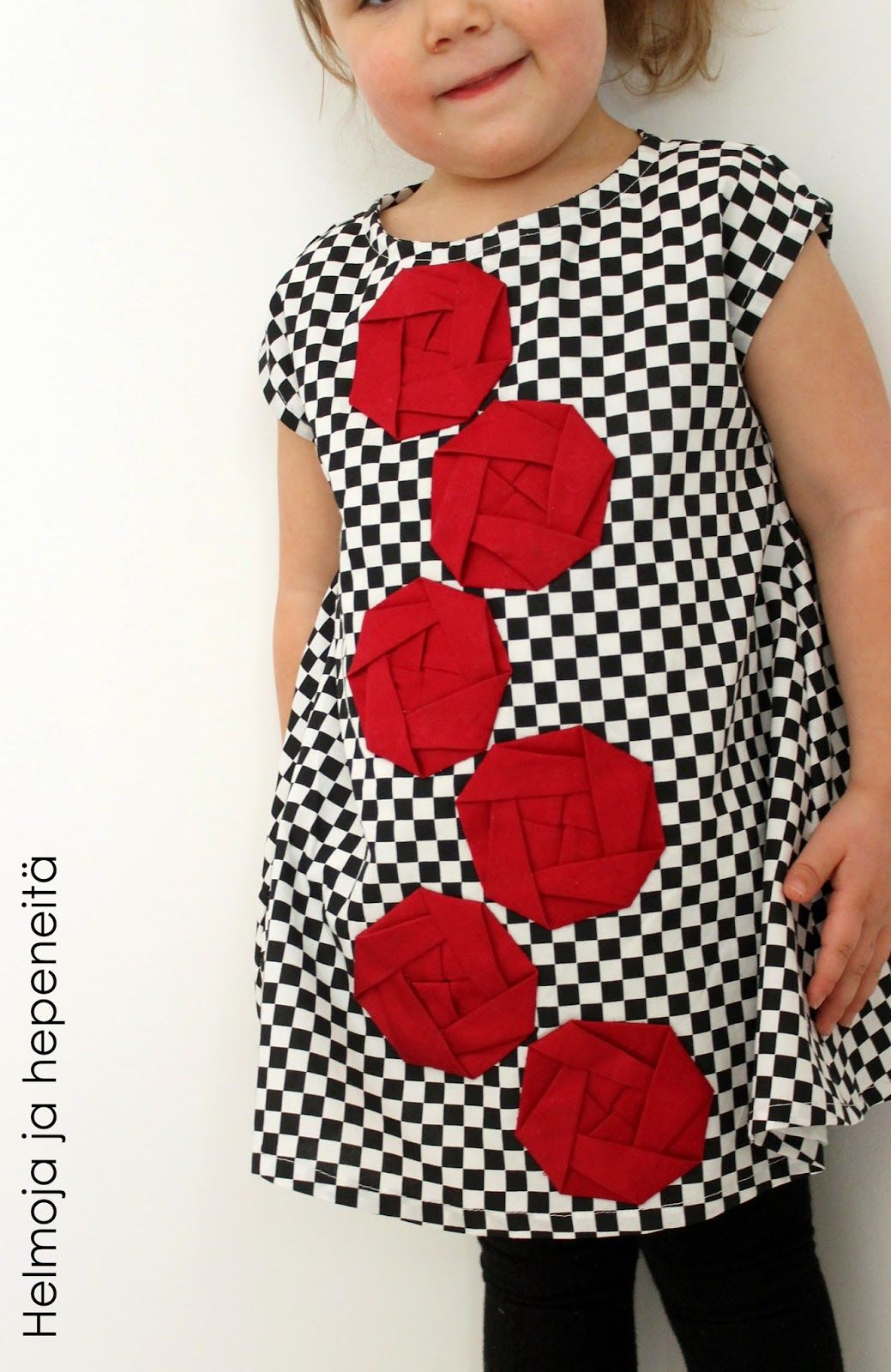 Rally Roses and origami-successes - Folded origami roses on a dress