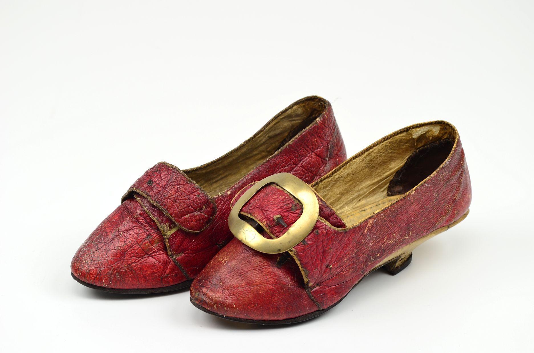 Pair of women s shoes 40dca09152