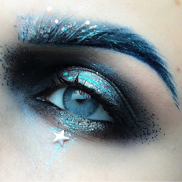 """limecrime: """"A starry night by @punchingpictures // RP @twimakeup """""""