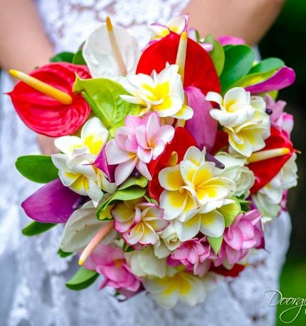 Tropi-coloured Blooms Were The Perfect Petal Pop At This