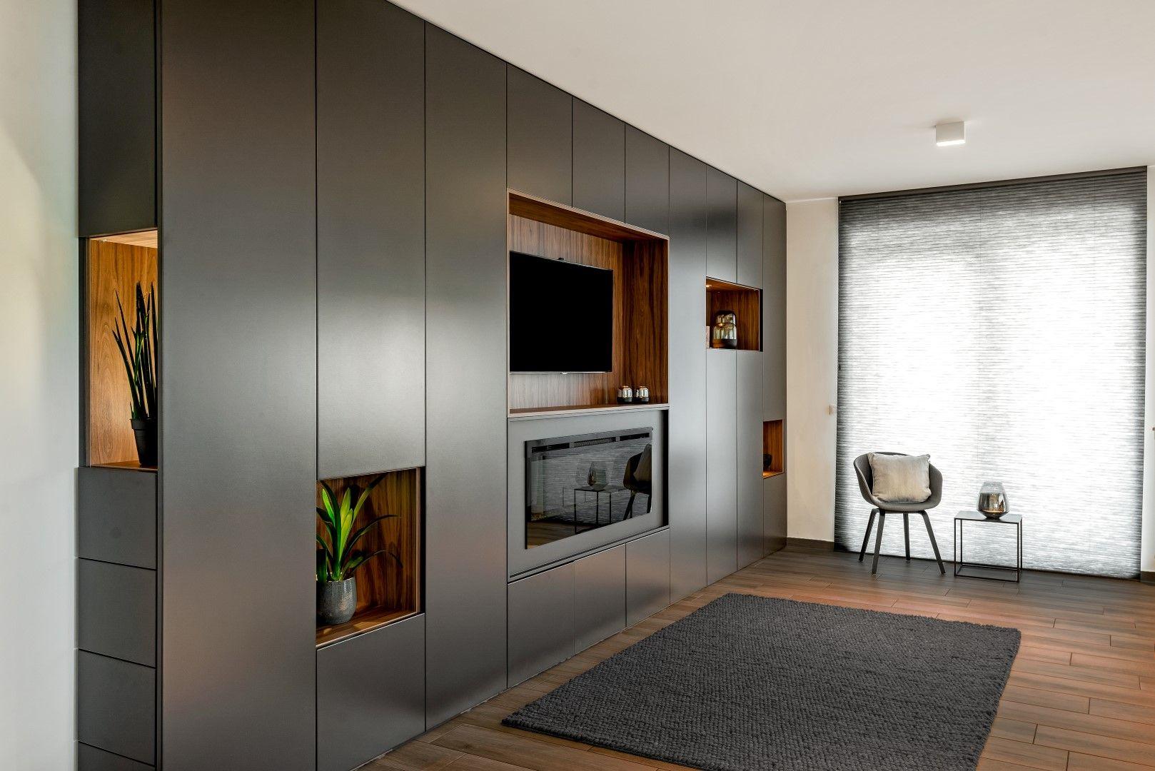 Wandkast In Living Met Ingebouwde Verlichting Combineer Een