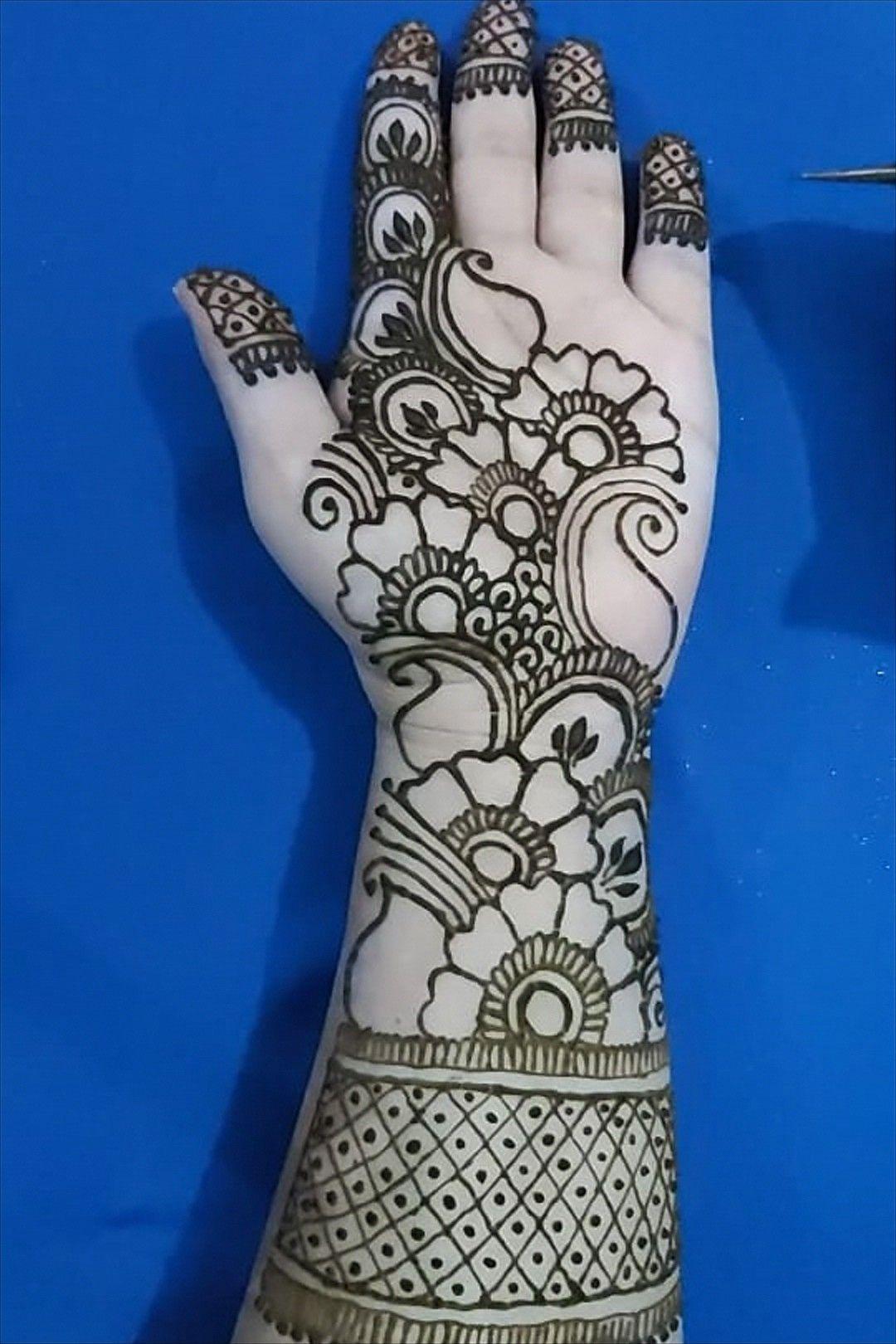 #mehndi #mehndidesigns #hennadesigns #henna #mehandi #mehendi #mehendiart #stylishmehndi #beautifulmehndi #arabicmehndi #bridalmehendi #weddinghenna #hennatattoo #hennalove #naturalhenna #shadi #mystylezone