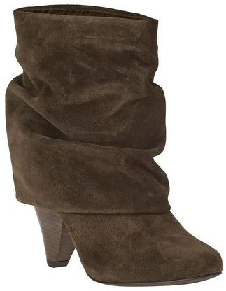 Smexy boots for a smexy skirt....off to find that now ;)
