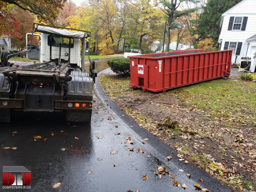 Homeowner Rented A 30 Yard Dumpster With A 5 Ton Max To Dispose Of Household Junk In Andover Ma Andover Ma Householdjunk Dumpsters Yard Dumpster Rental