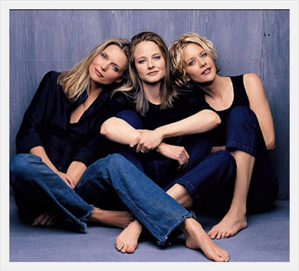 Michelle Pfeiffer Jodie Foster & Meg Ryan | Famosos, Actrices, Mujer  misteriosa