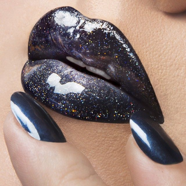 'Little Black Dress' OCC Stained Gloss mixed with 'Mirrorball'  OCC Glitter, lined with 'Tarred' OCC Pencil! On Nails: 'Distortion' OCC Nail Lacquer!