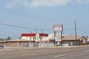 WHITE SANDS RESTAURANT, MOTEL, MARINA  956/943-2414  418 Highway 100 Restaurant, laundry. (25 rooms)