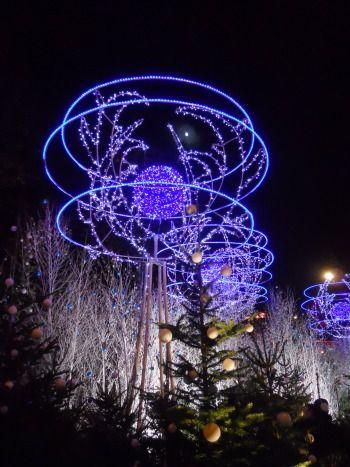 Paris Perfect Christmas Market Champs Elysees Lights Rond Point