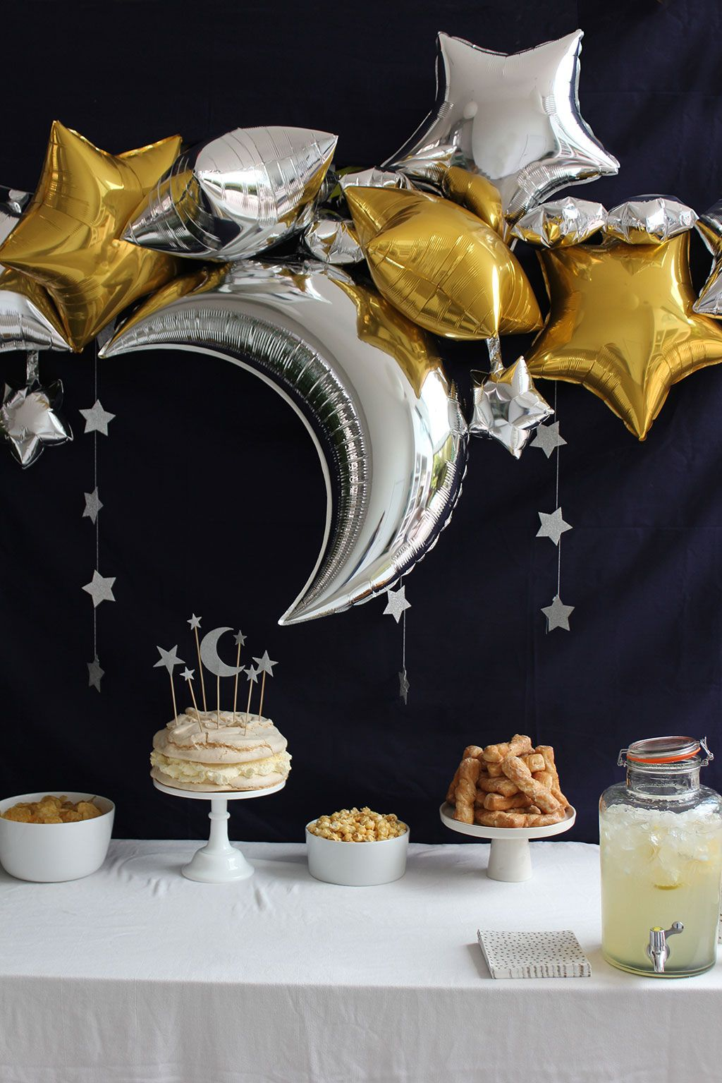 birthday desert table ideas gold and silver stars and moon pinteres. Black Bedroom Furniture Sets. Home Design Ideas