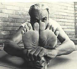 mr iyengar tranceabandon  iyengar yoga bks iyengar