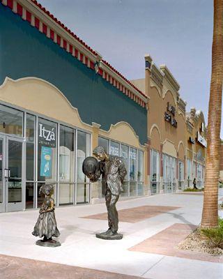 Greetings Las Palmas Marketplace El Paso Tx Angela Mia De La Vega Elegant Bronze Figurative Sculpture Figurative Sculpture Mansions House Styles