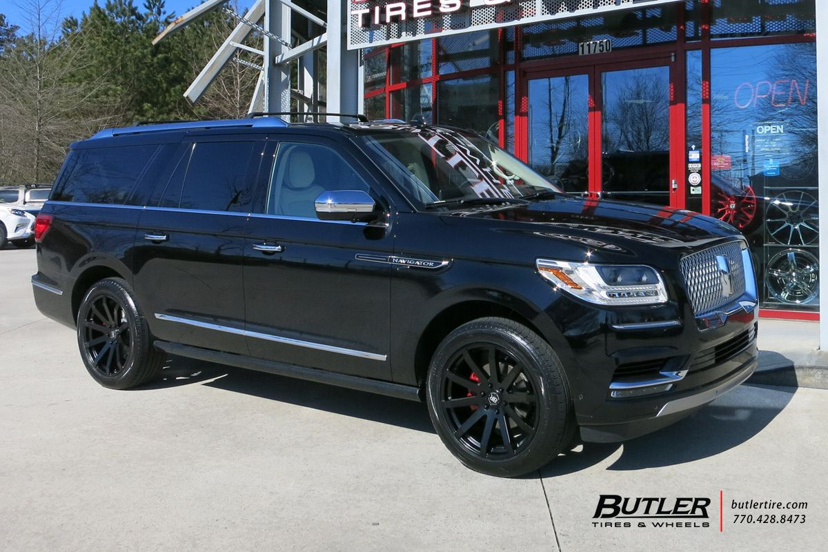 2018 Lincoln Navigator With 22in Black Rhino Traverse Wheels