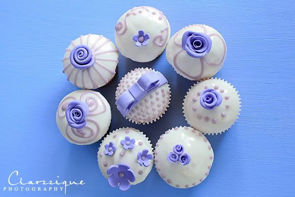 This site has links to a few cupcake recipes and techniques. Lavender Cupcakes!