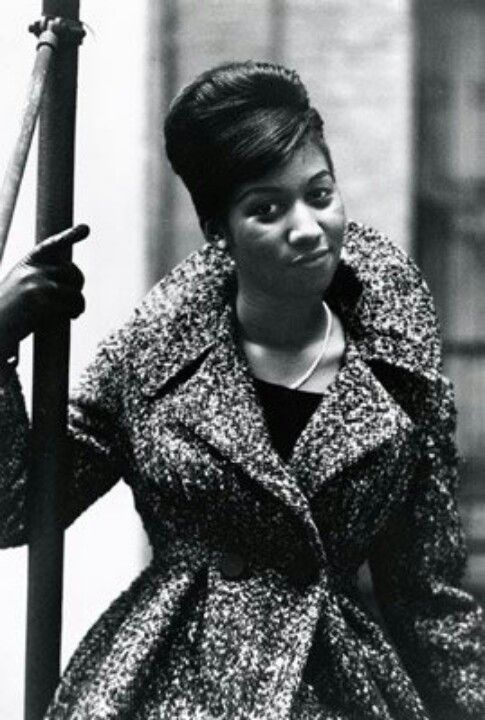 Todays 60s hair & make up inspiration from the Queen of Soul Aretha Franklin (born March 25, 1942). It's hard to believe she is 72 today.
