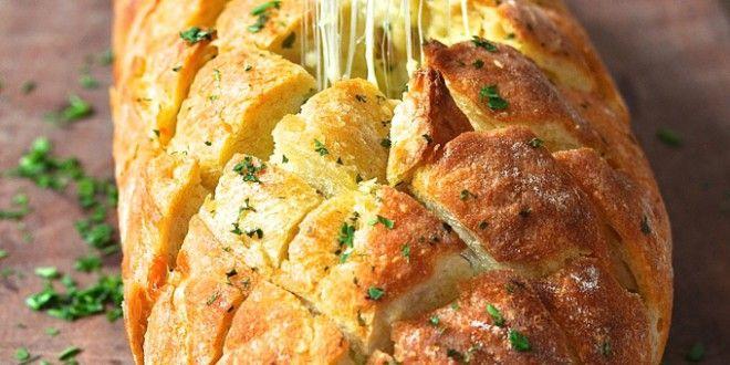 //  Wie wär es denn mit einem wunderbaren Käse-Knoblauch-Brot. Ein wunderbarer Snack für Zwische...