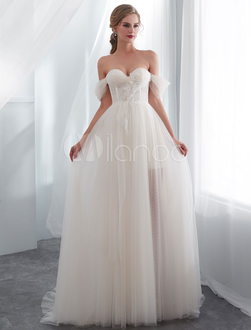 Wedding dresses tulle ivory off the shoulder sweetheart beach bridal
