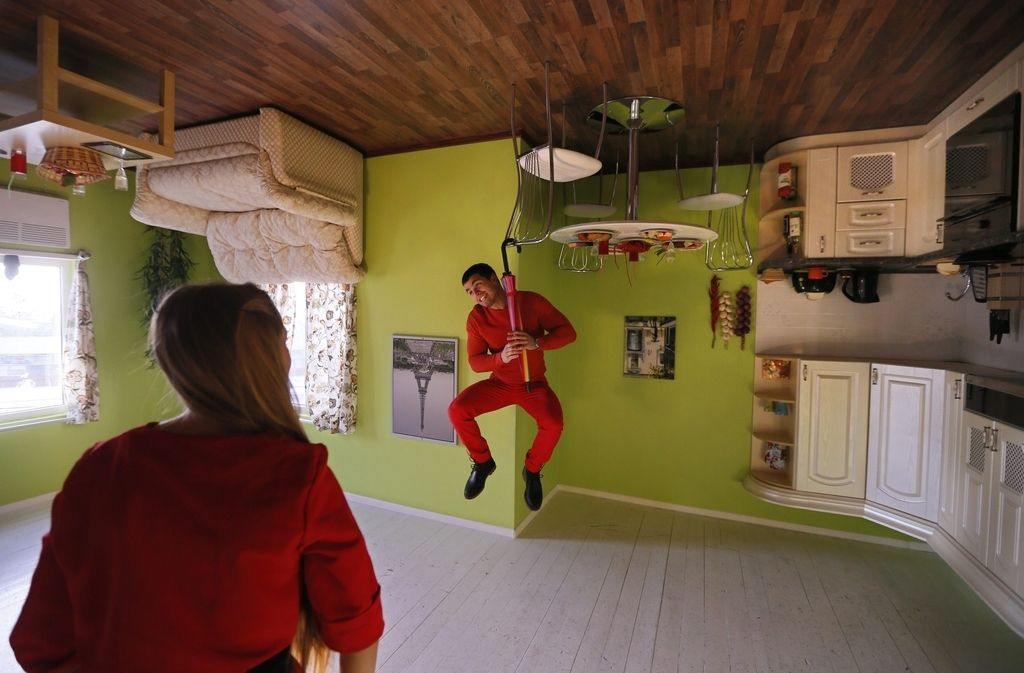 There Is An Upside Down House In Russia Upside Down House House