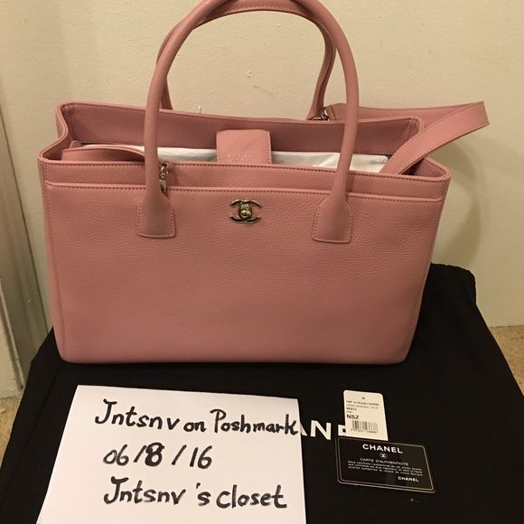 58eebe4629d17e Authentic Chanel Pink Executive Cerf Tote Bag % Authentic Chanel Pink  Executive Cerf Tote Bag