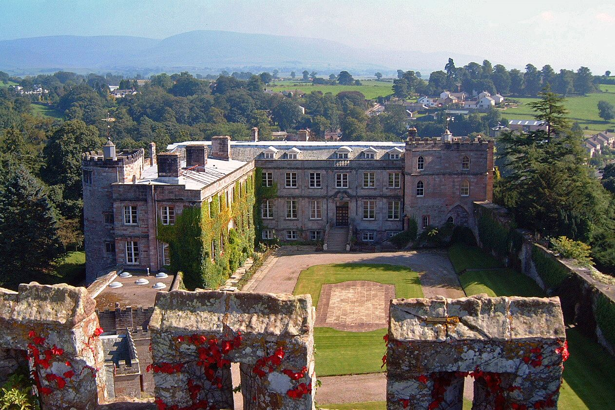 Divorce judge stops husband selling off castle library