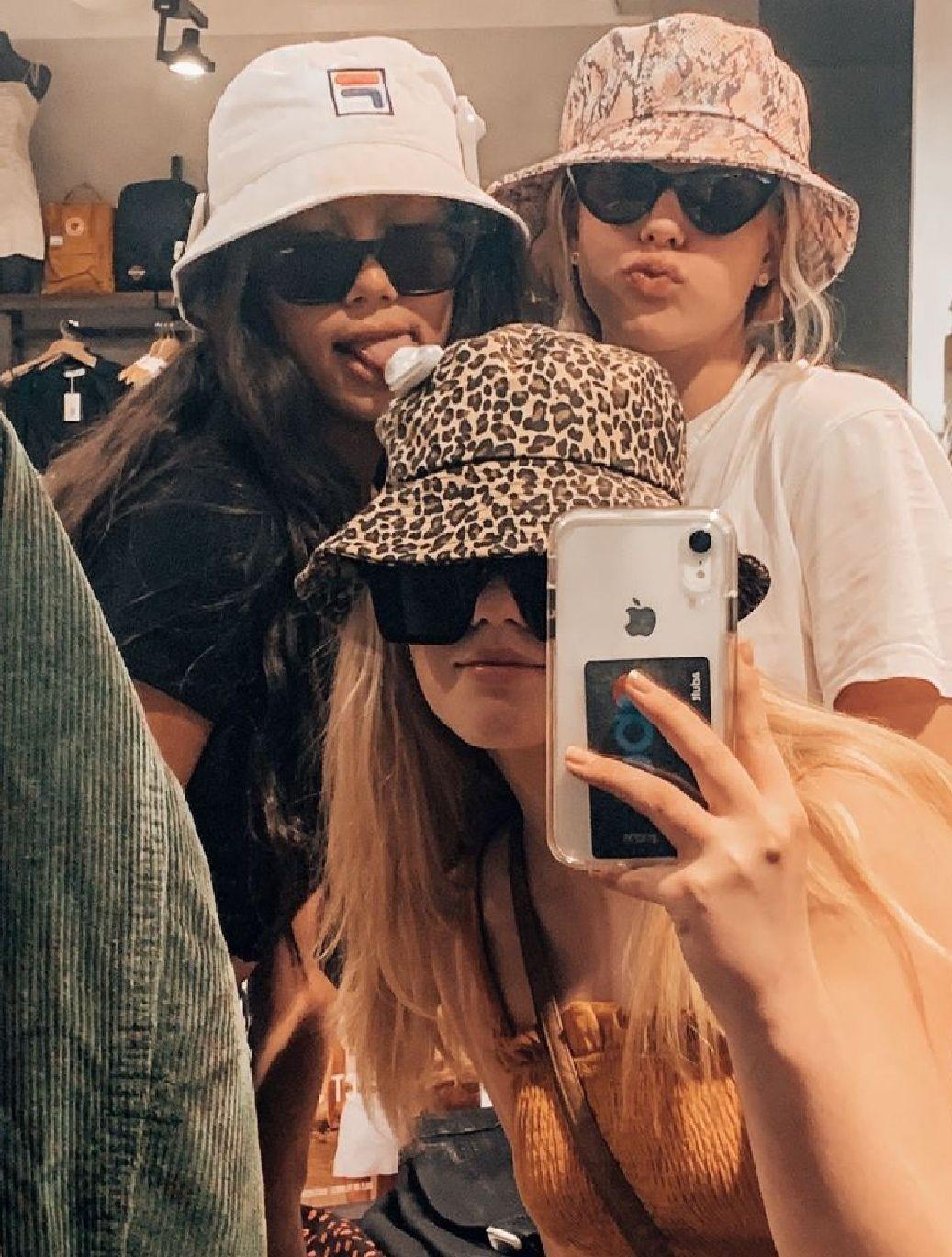 Instagram Tik Tok Friend Photoshoot Friend Poses Friends Photography
