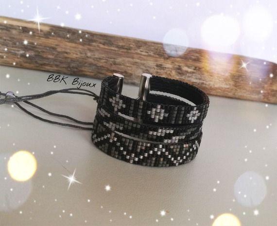 Bracelet triple tissage en perles Miyuki délicas tissées à la main. Noir, gris, blanc, argenté......