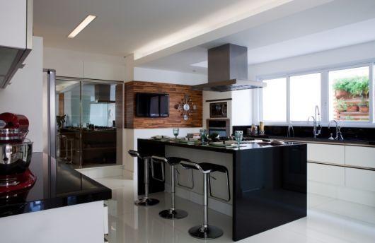 Armario De Cozinha Usado Sete Lagoas : Cozinha com tv casa sete lagoas