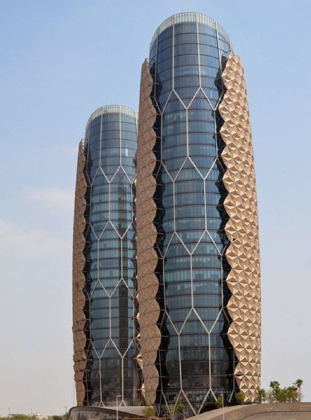 Abu Dhabi city tour from Dubai . top tourist attractions in Abudhabi city