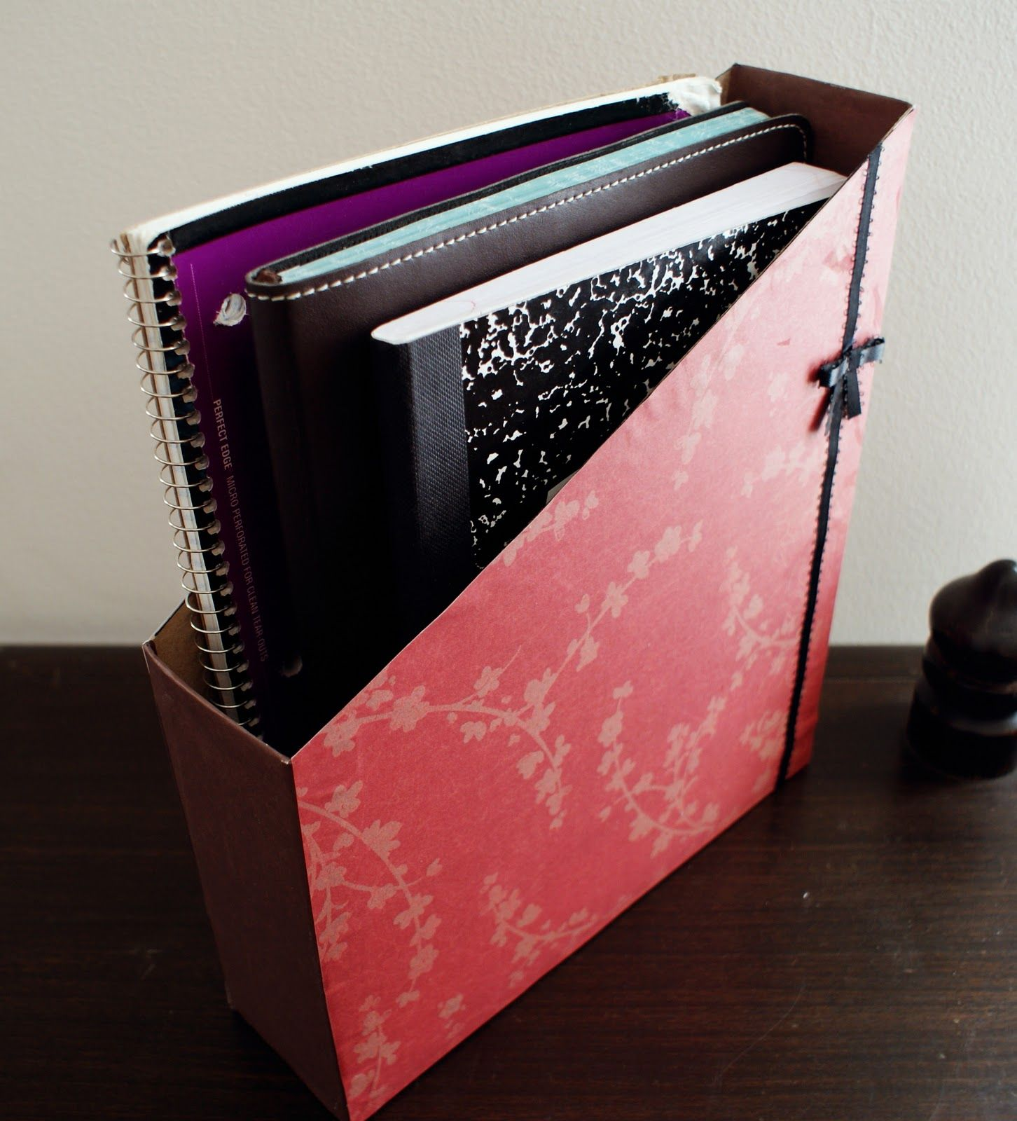Download this tutorial in pdf format here this cute book holder the better nester how to make a notebook organizer arubaitofo Images