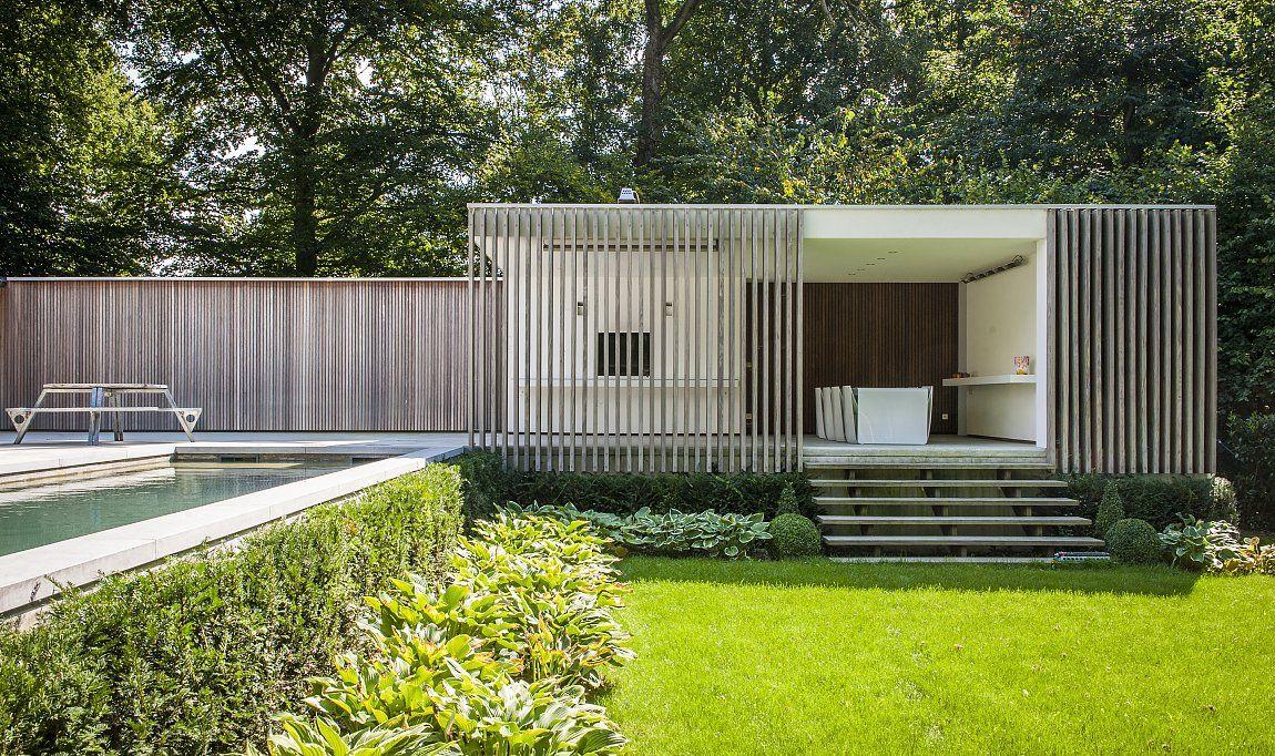Contemporary pool house garden room modern poolhouse for Piscine design caluire