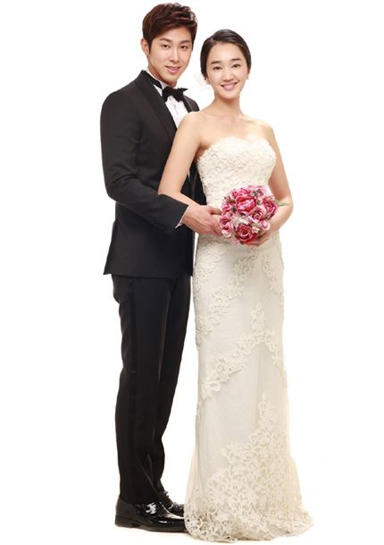Soo Ae Tvxq S Yunho Marriage Photo For Queen Of Ambition Revealed Wedding Dresses Marriage Photos Wedding Dresses Lace