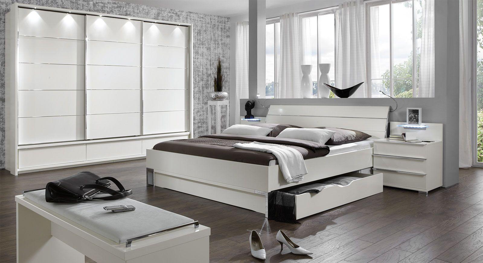 modernes schlafzimmer mit enormen stauraummöglichkeiten, Schlafzimmer entwurf