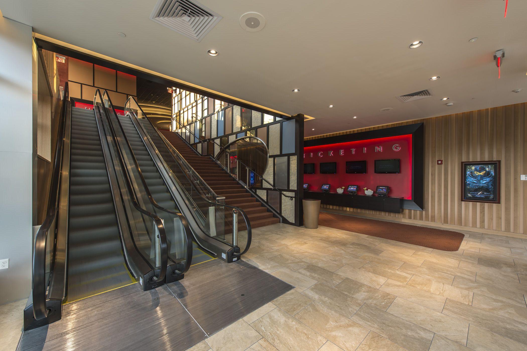 Cinema De Lux, Chestnut Hill, Boston. Designed by Julian Taylor Design Associates for National Amusements USA.