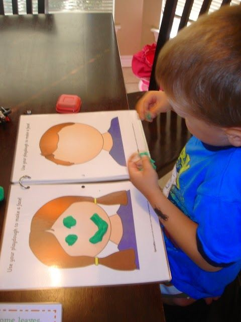 {Mommy School} Playing & Learning with Play-Doh! - Leah With Love