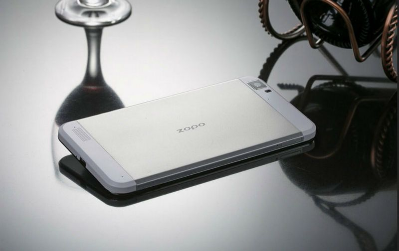 (ZOPO ZP1000) Smartphone Android 4.2 MTK6592 1.7GHz Octa Core écran 5.0 pouces HD 3G http://androidsky.fr/goods.php?id=175