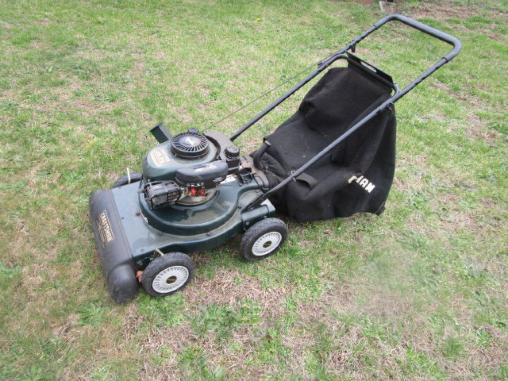 Craftsman Yard Vacuum Chipper With Images Craftsman Property