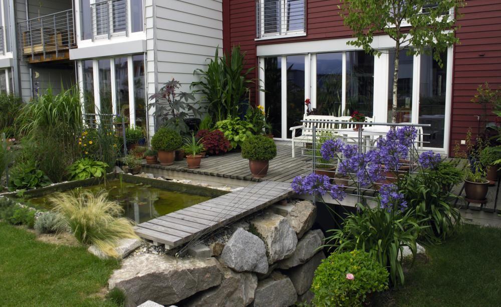 Von der Terrasse in den Garten So gelingt ein schöner Übergang - terrassengestaltung mit wasserbecken