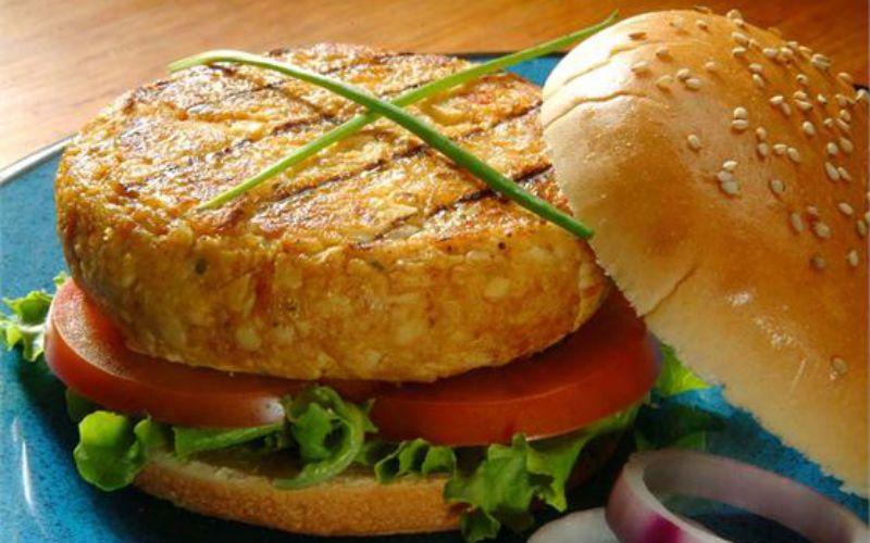 Receita Hambúrguer vegetariano de palmito: fácil e pouco calórico